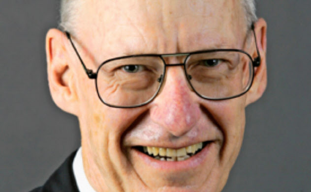 Stephen Grenville オーストラリア国立大博士。元オーストラリア準備銀行副総裁。経済協力開発機構(OECD)や国際通貨基金(IMF)での勤務経験もある。専門は国際金融など。