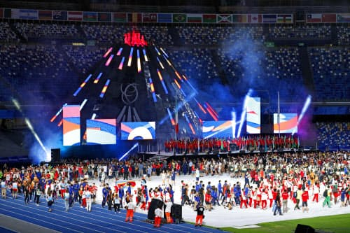 第30回ユニバーシアード夏季大会の閉会式(14日、ナポリ)=共同