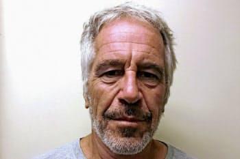 売春あっせんの罪で起訴されたジェフリー・エプスタイン被告=ロイター