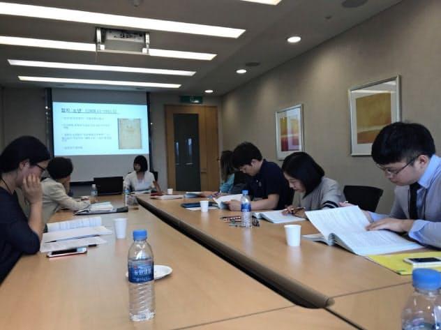 学生は韓国でのワークショップにも参加