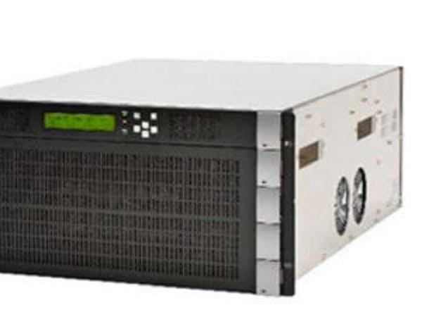 NECが実証実験で利用した8K映像の圧縮などを担うシステム「VC-8900」