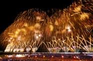 長岡花火には県内外から100万人を超える観客が訪れる(2018年8月)