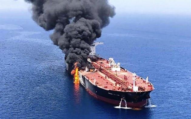 ホルムズ海峡付近でのタンカー攻撃以降も中東情勢の緊張は高まる=AP