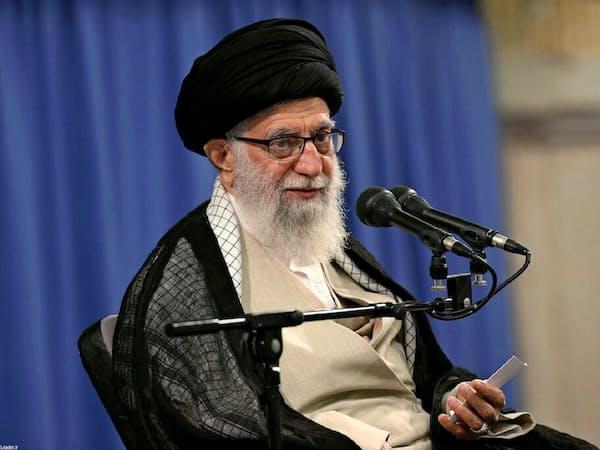 16日、核合意の義務履行削減を続けると指摘したイランのハメネイ師(同師のウェブサイト)=ロイター