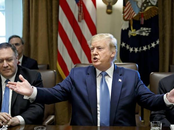 トランプ米大統領が意欲を示すイランとの対話のハードルは高い(16日、ワシントン)=AP