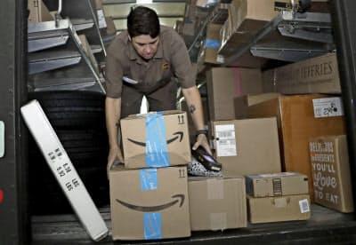 アマゾンは「プライムデー」の2日間で過去最高の1.7億個の商品を販売した=AP
