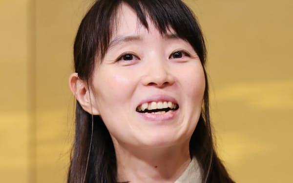 「自分の中にあるものを絞り出す」と語る今村夏子(7月17日、東京都千代田区)