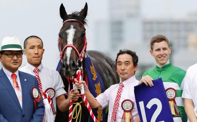 馬主の最大の夢とロマンは愛馬がG1競走に勝つことか(6月の宝塚記念)=共同