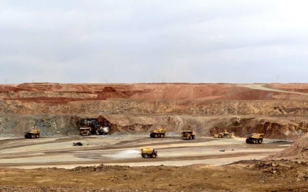 開発プロジェクトが遅れているモンゴル南部のオユ・トルゴイ銅金鉱山=ロイター