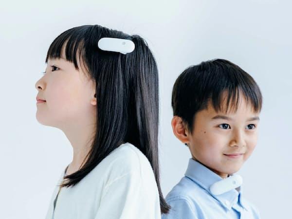イベントで用いる富士通の装置「Ontenna(オンテナ)」。髪の毛や耳たぶ、襟元に付けて音に合わせた振動を感じられる
