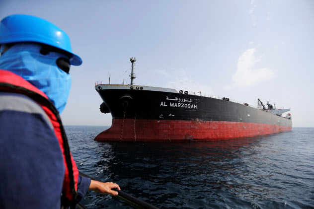 6月以降、ホルムズ海峡近くでは何者かによるタンカーへの攻撃が相次いでいる=ロイター