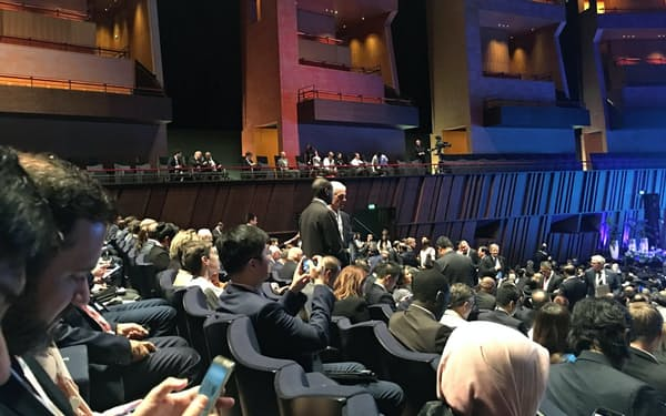 AIIBの年次総会には多くのファンド関係者が詰めかけた。(7月12日、ルクセンブルク、小平龍四郎撮影)