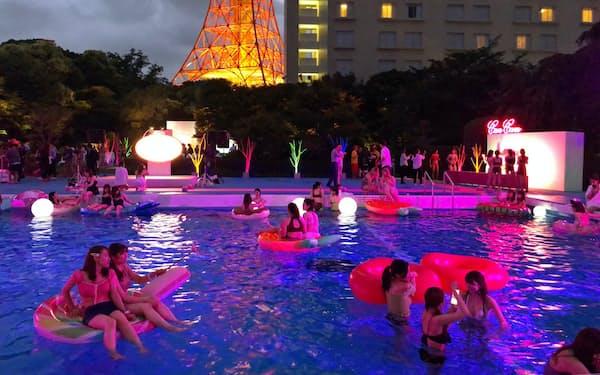 インスタ映えを意識した「CanCam×Tokyo Prince Hotel Night Pool」(東京都港区の東京プリンスホテル)