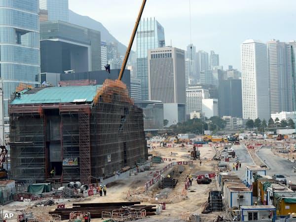 MTRは手抜き工事が原因で利益が下振れる(2017年の工事風景)=AP