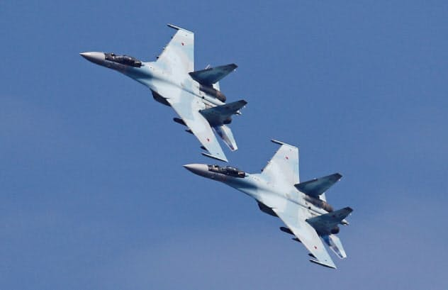 ロシアの最新鋭戦闘機「スホイ35」=ロイター