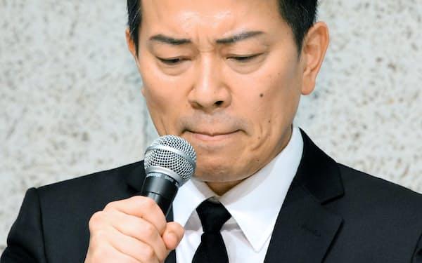 記者会見する「雨上がり決死隊」の宮迫博之さん(20日、東京都港区)