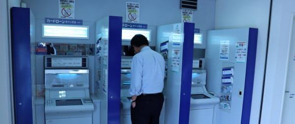 ATMの運営コストは重く、今後さらに減少が進む可能性が高い