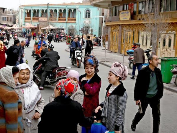 中国当局はウイグル族への抑圧を強めている(新疆ウイグル自治区)=ロイター