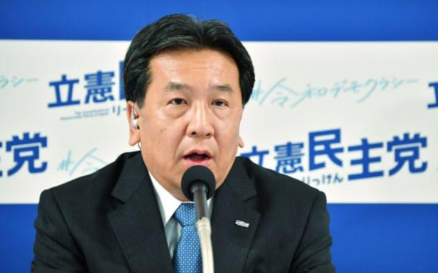 インタビューに答える立憲民主党の枝野代表(21日、東京都港区)
