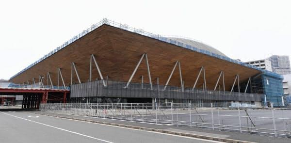 完成間近の有明体操競技場(東京都江東区)=共同