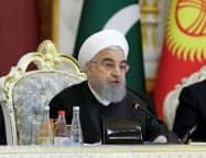 イランのロウハニ大統領は米国の圧力に屈しない姿勢を示す=ロイター