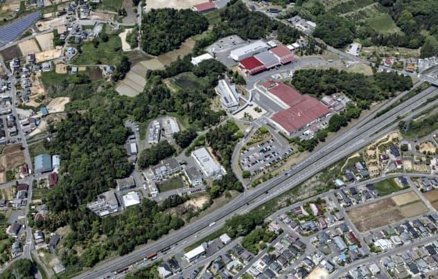 日本全薬工業の本社工場は林を含む広大な敷地を持つ(福島県郡山市)