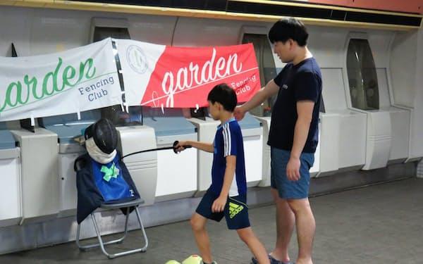 東京都調布市ではフェンシングなどの体験イベントが開かれた
