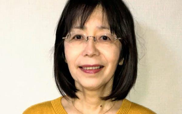 京都大学法学部卒、1981年弁護士登録。東京弁護士会所属。日本家族〈社会と法〉学会理事、日弁連家事法制委員会委員、夫婦別姓訴訟弁護団長。「親権と子ども」(岩波新書)、「離婚判例ガイド」(有斐閣)など著書多数。