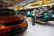 JLRの英国内の工場の一時休止も響き、赤字幅が拡大した(英中部ソリフル)=ロイター