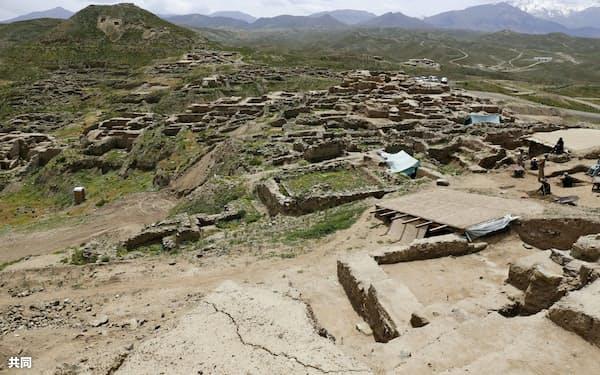 仏教経典の写本が見つかったアフガニスタンのメス・アイナク遺跡(5月)=共同