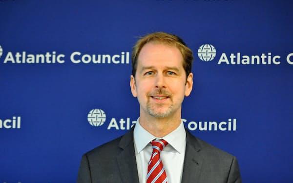 Peter Engelke 米ジョージタウン大博士。ジュネーブ安全保障政策センターなどを経て現職。