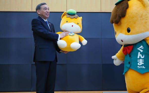 群馬県庁で開かれた大沢正明知事の退任式(26日、前橋市)