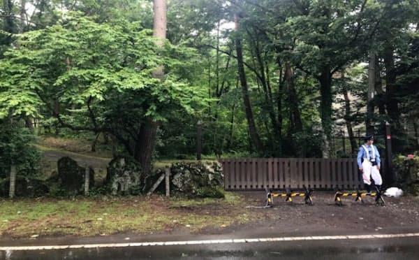 鳴沢村の別荘入り口