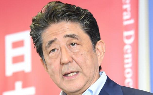 参院選後の22日、記者会見に臨んだ安倍晋三首相