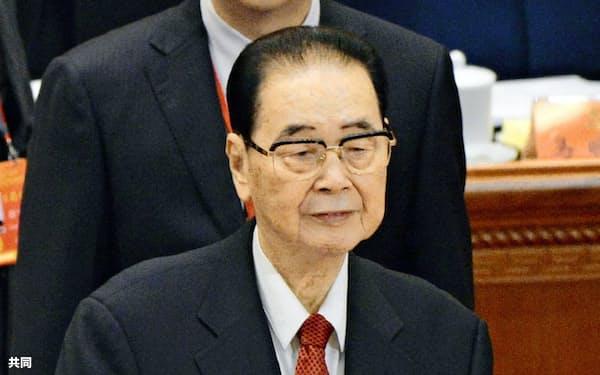2017年10月、中国共産党大会に出席した李鵬元首相=北京の人民大会堂(共同)