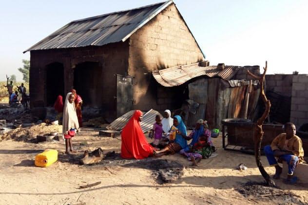 イスラム過激派ポコ・ハラムの襲撃を受けた村(2018年、ナイジェリア)=ロイター