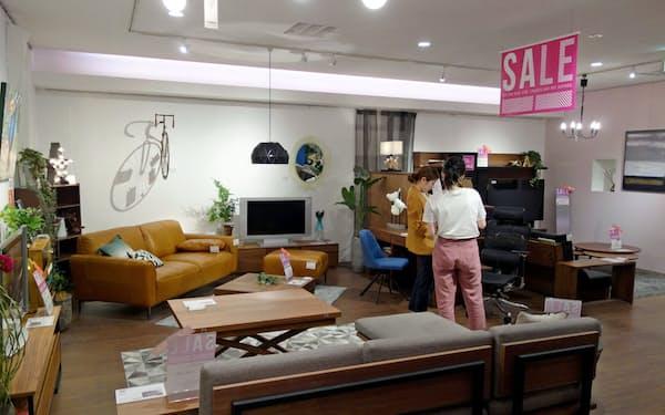 リビングハウスは店内に家電売り場を設ける(大阪市内のリビングハウスの店舗)
