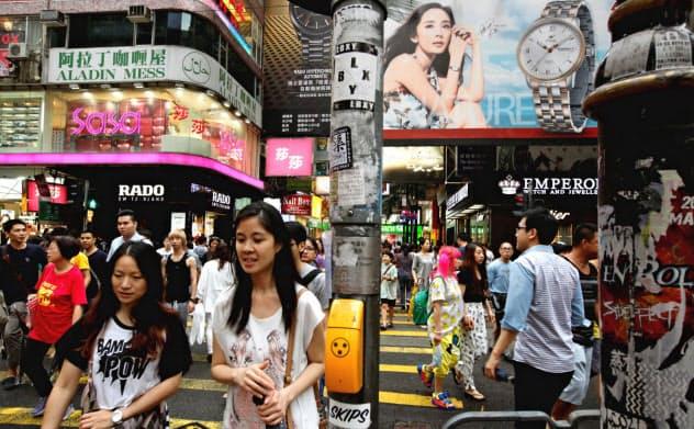 香港の繁華街、銅鑼湾(コーズウェイベイ)地区の店舗賃料も下落している=ロイター