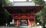 行元寺では、葛飾北斎に影響を与えたとされる有名な欄間彫刻を見ることができる