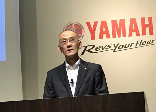 ヤマハ発動機は30日、アフリカ事業の説明会を開いた(写真は、会見する日高祥博社長)