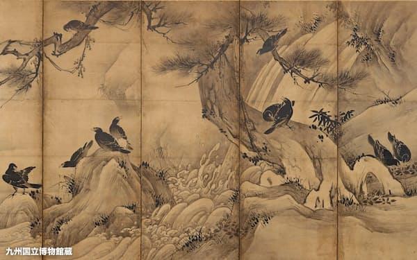 狩野永徳「松に叭叭鳥・柳に白鷺図」(右隻、16世紀、六曲一双、九州国立博物館蔵)=撮影・山崎信一、8月7日まで展示