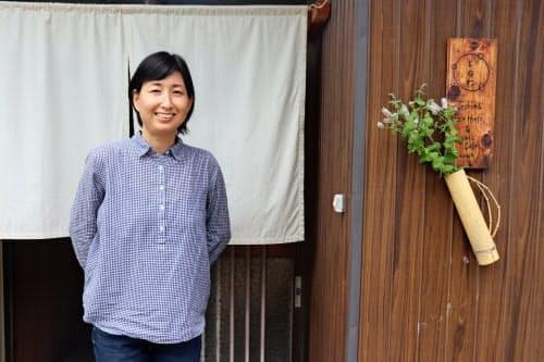 瀬戸内国際芸術祭で学んだ豊島の郷土料理をカフェ「とのわ」のメニューに生かしている(香川県土庄町)