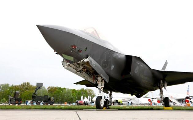 パンクで着陸装置が壊れ、機体が停止できなくなるリスクがあるF35=ロイター
