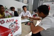 ミャンマーの保険市場拡大には、消費者の理解を深める取り組みが欠かせない(6月、ヤンゴン)