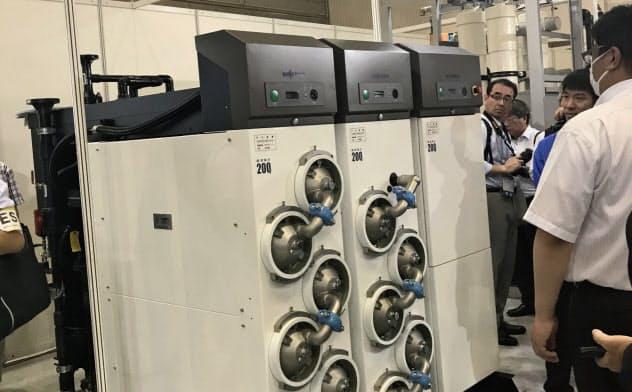 三浦工業の展示会で公開された最新の水処理装置ユニット(1日、幕張メッセ)