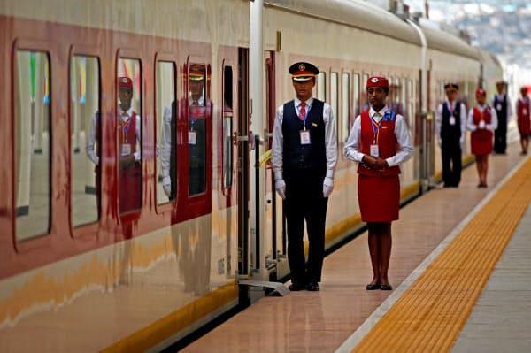 中国の支援でエチオピア・ジブチ間など鉄道の開通が相次いでいる=ロイター