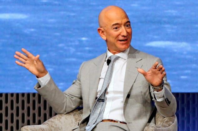 ベゾス氏、アマゾンの筆頭株主維持 離婚調停成立で (写真=ロイター ...