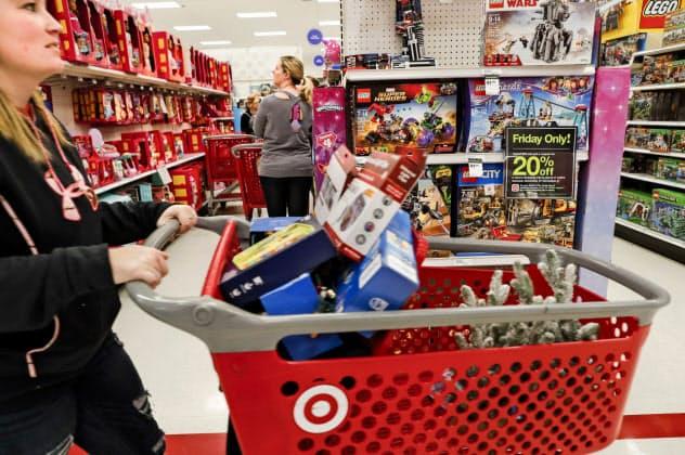 米小売業の業界団体は「関税以外の方法を見つけるべきだ」と主張(ケンタッキー州の小売店)=AP