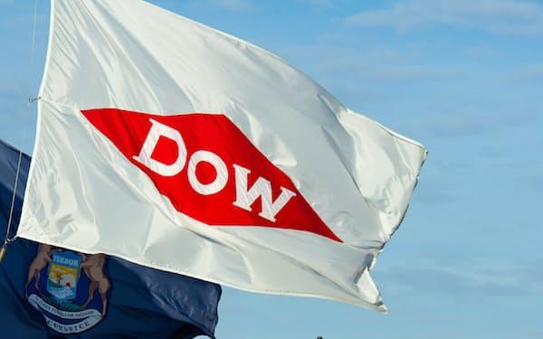 ミシガン州の新ダウ本社と社旗