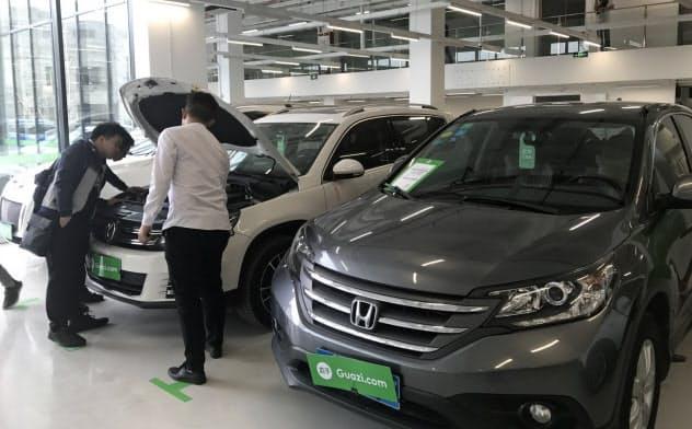 中古車売買アプリ「瓜子」は直売店も増やしている(広東省東莞市)